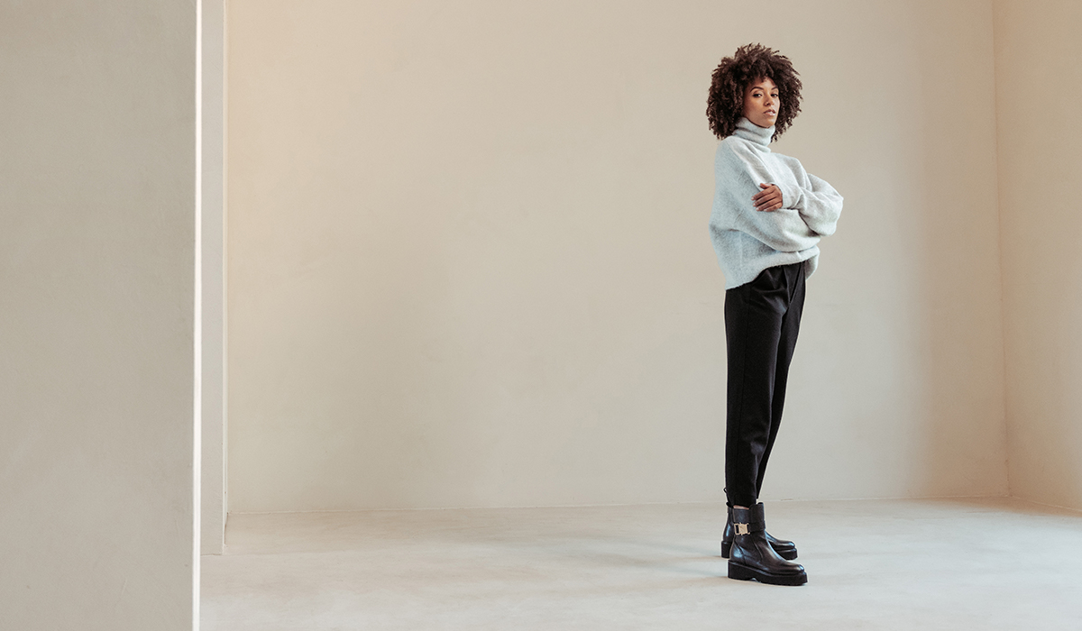 VIA VAI boots: Bobbi Moss