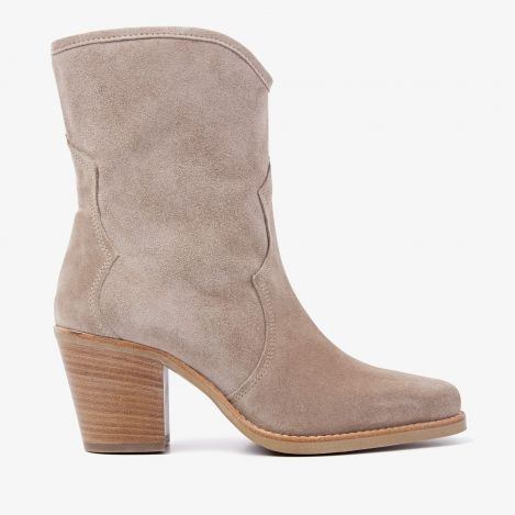 Anika Cliff beige ankle boots