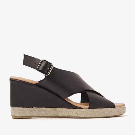 Paula Grace black sandals