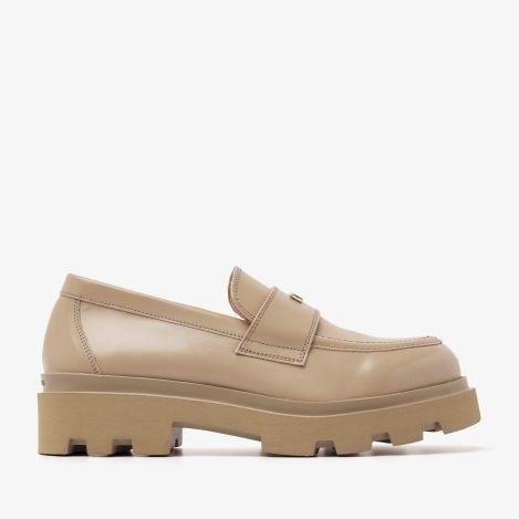 Livia Gwen beige loafers